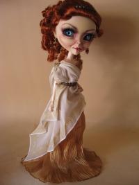 Из Лукреции сделали куколку